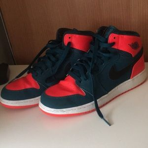 Russel Westbrook 1s barely worn